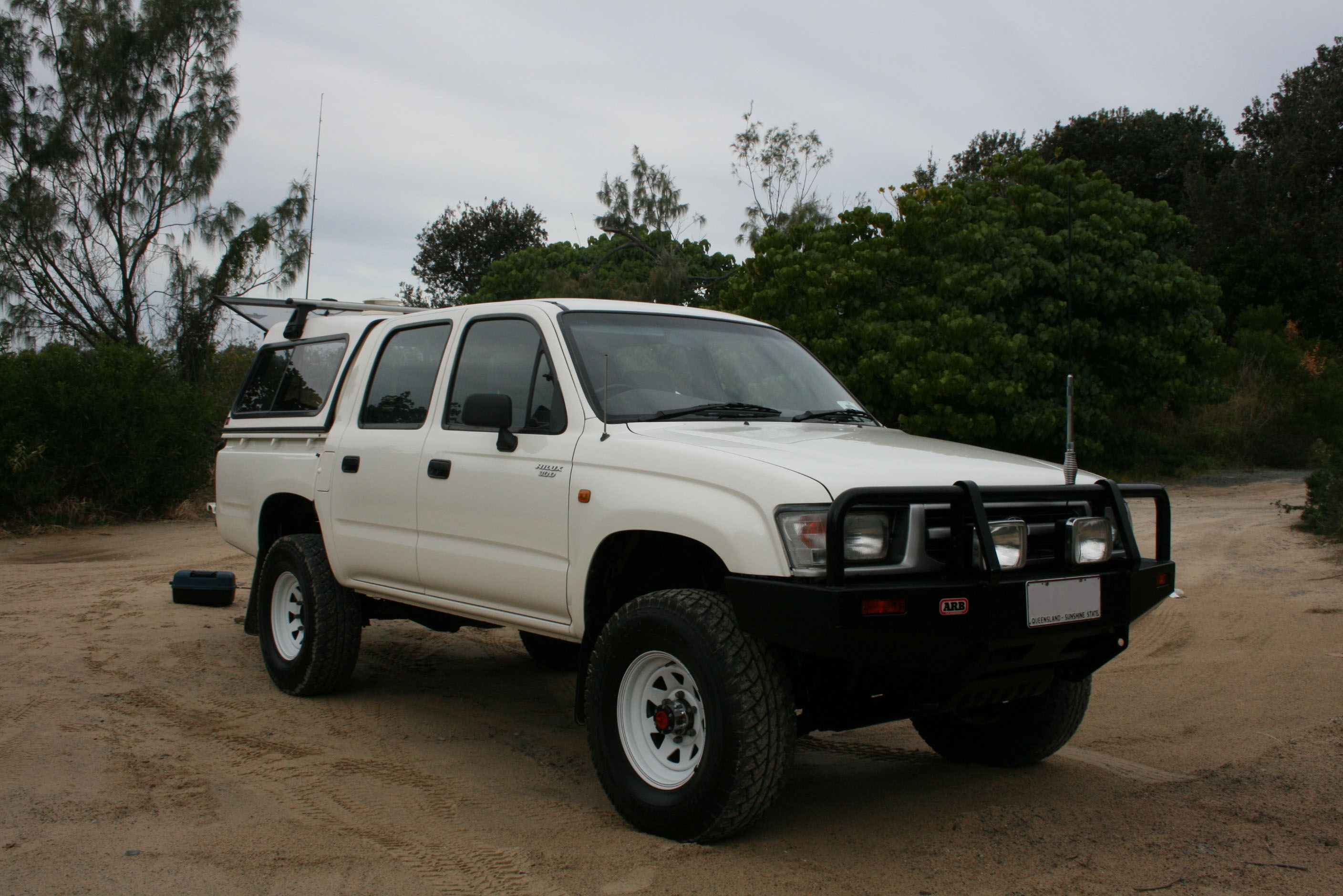 Toyota Hilux 2001-2006 4WD and 2WD Workshop Manual Digital Download